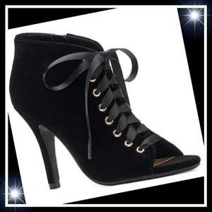 LC Lauren Conrad Granite Velvet High Heels 9, 8.5